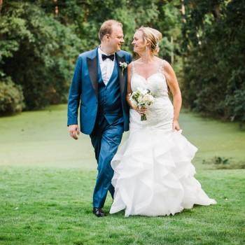 Bruidsboeket en corsage - Foto: Liesbeth Gavriilakis fotografie